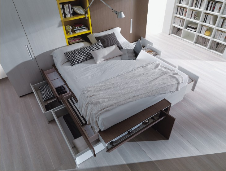 Camera moderna con letto con cassetti e doppia cabina for Letto matrimoniale rialzato