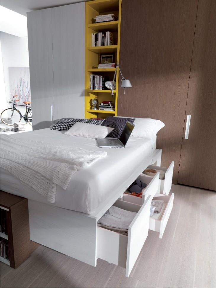 Camera moderna con letto con cassetti e doppia cabina - Letto matrimoniale con cassetti ...