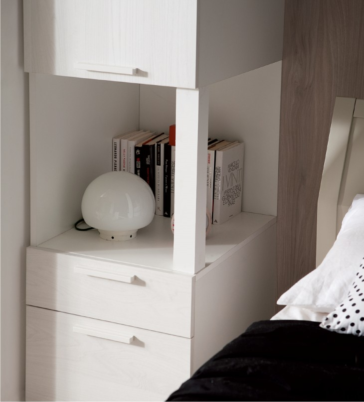 Beautiful camera da letto senza comodini ideas design - Arredare camere da letto piccole ...